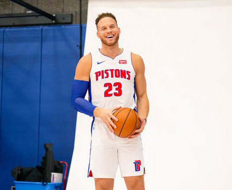 Blake Griffin: Thriving away from the rim and feeling 'ancient'