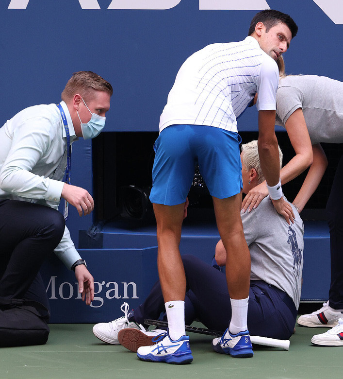 Novak Djokovic Out Of U S Open After Accidental Hit Of Line Judge