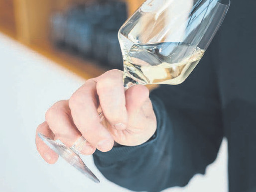 Does wine lose its spirit when the alcohol is removed?
