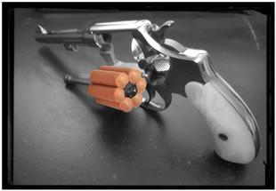 Un fils d'une arme à feu