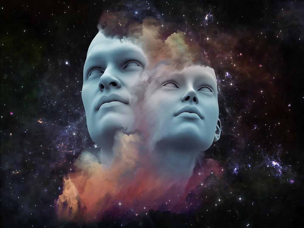 Deux visages au centre d'une galaxie qui subisse le phénomène d'illusion collective, représentent l'hystérie de masse au sein d'une population entière