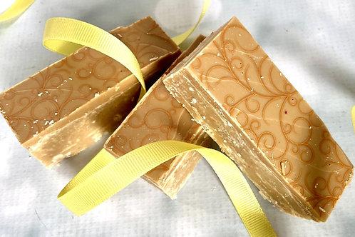 CARAMEL FUDGE gift box