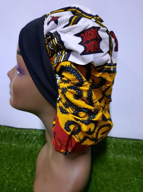 Bonnet bande noire motif blanc/jaune/rouge