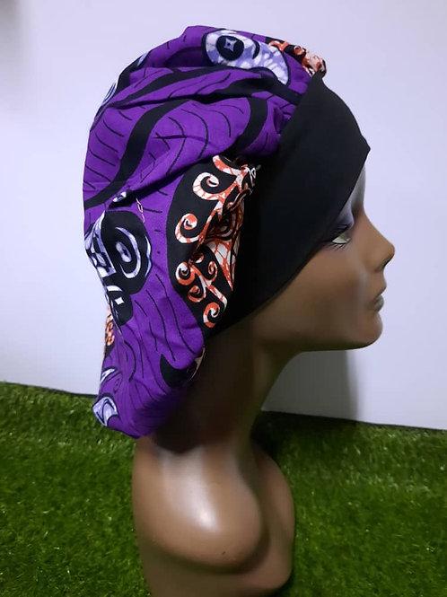 Bonnet bande noire motif mauve