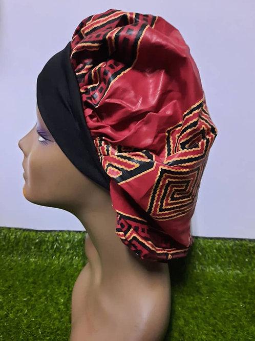 Bonnet bande noire motif rouge/noir