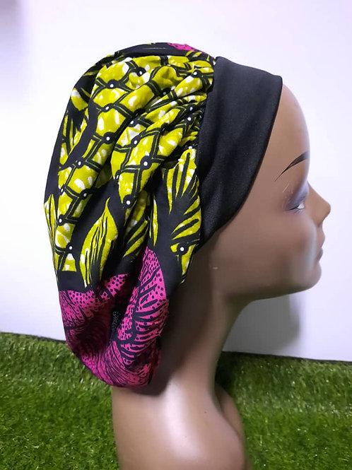 Bonnet bande noire motif vert fluau/magenta