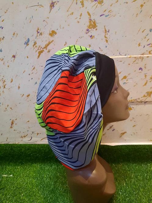 Bonnet bande noire motif rouge/bleu/vert