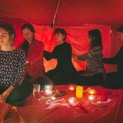 Rotes Zelt Berli Frauen Kreise