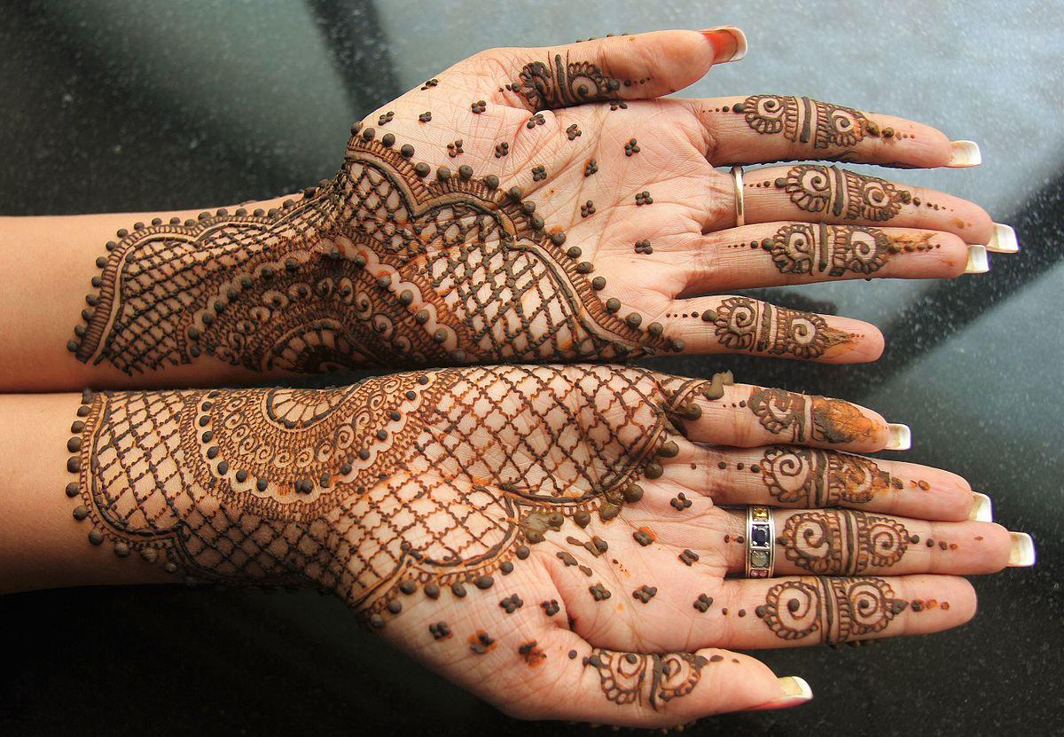 Arts: Henna and Rangoli