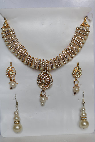 Gold and Pearl Set