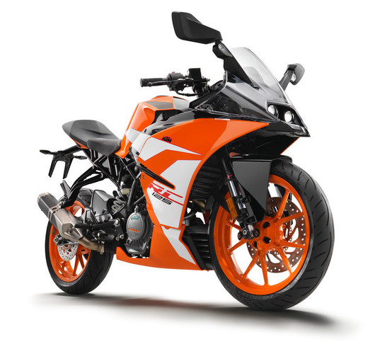 170638_KTM RC 125 front right MY 2017.jp