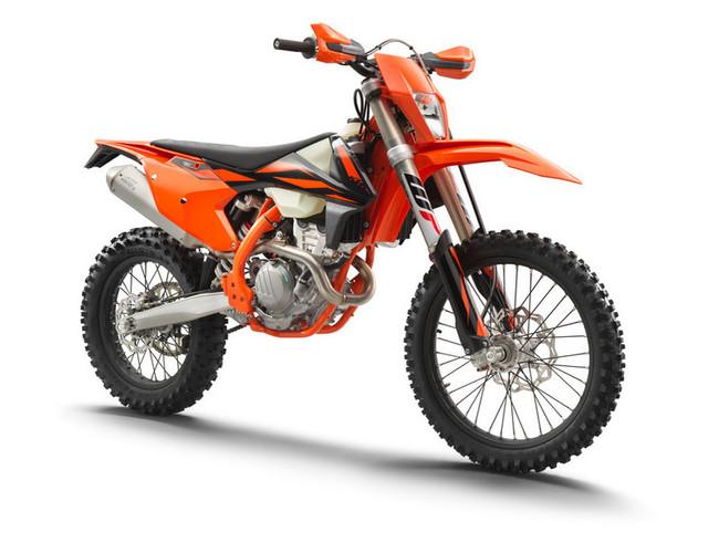 226269_KTM 250 EXC-F MY 2019 Studio.jpg