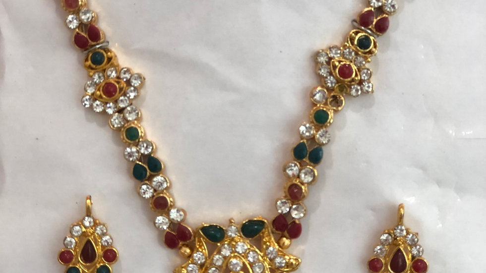 Red and Greern stonework necklace