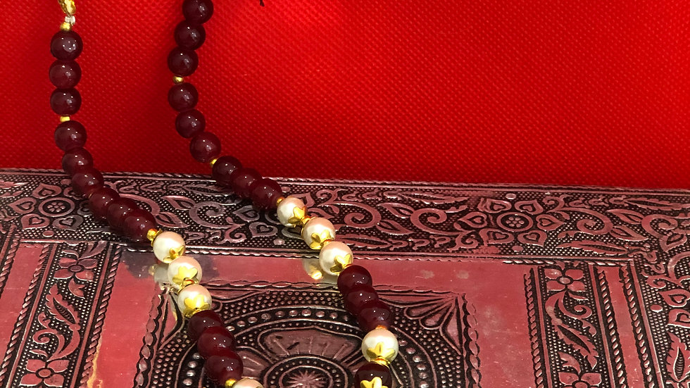 Modern beaded maroon necklace