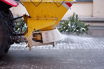 winter-services-snow-gritting-salt-gritting-snow-clearance-ice-gritting-gritting-services-in-birmingham-call-0121-647-7203