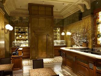 Carlo Cracco inaugura il suo ristorante in Galleria a Milano  Un locale che si snoda su cinque piani