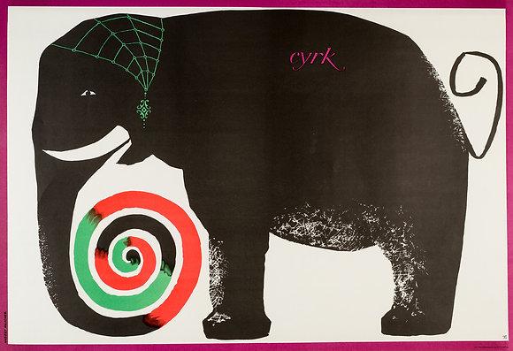 1692 - Circus Elephant