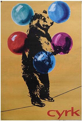 0666 - Juggling Circus Bear on Tightrope