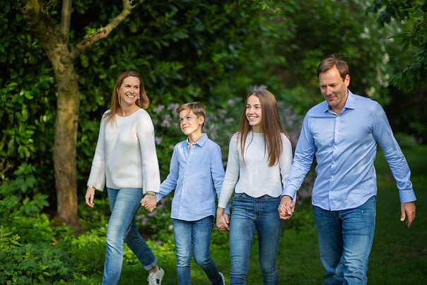 Outdoor family of four portrait photography