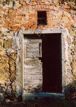 Il Giardino Exterior - Before