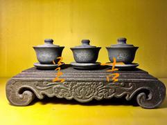 古體雕刻几桌、茶碗