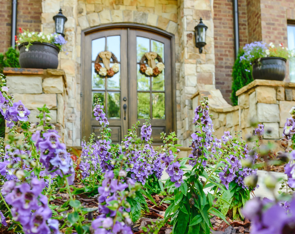 Landscape Architect, Outdoor Space Seasonal Color and Special Accents