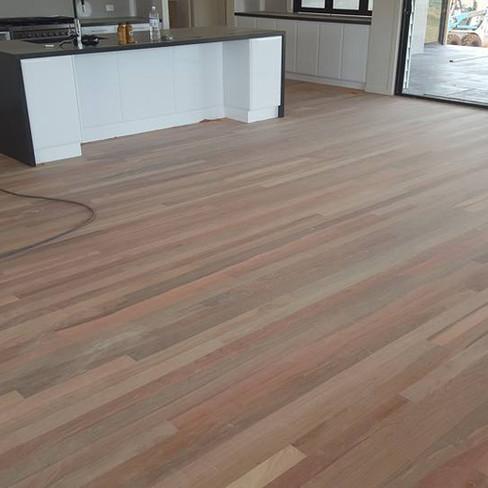 80 x 19mm Mixed species floor lay