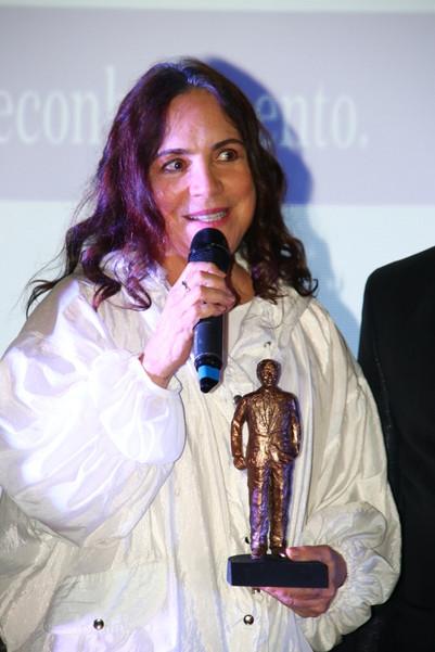 Regina Duarte recebe Prêmio Nelson Gonçalves