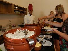 Buffet de feijoada em domicilio com Chef Davi Costa e gastronomia artesanal
