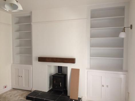 Double alcove bookcase.