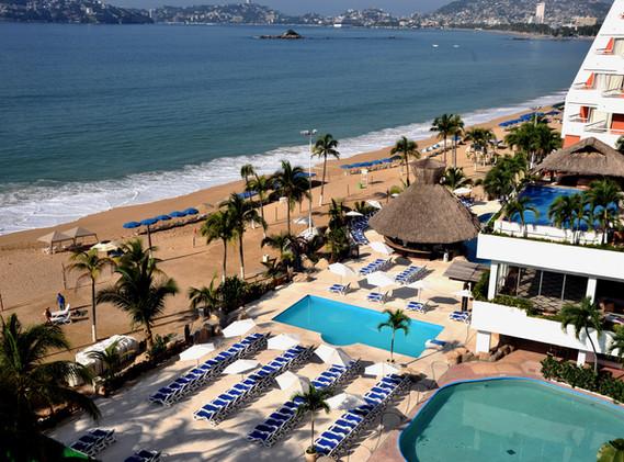 HS_HOTSSON_Smart_Acapulco_Pools.JPG