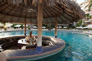 Park Royal Acapulco Bar Langosta.jpg