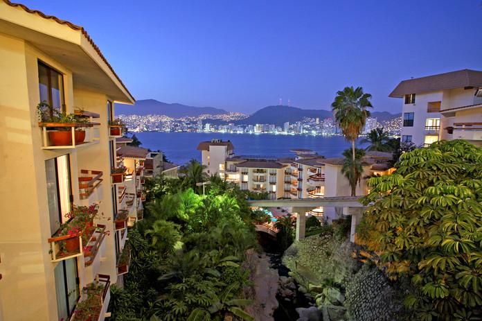 Park Royal Acapulco Bay View.jpg