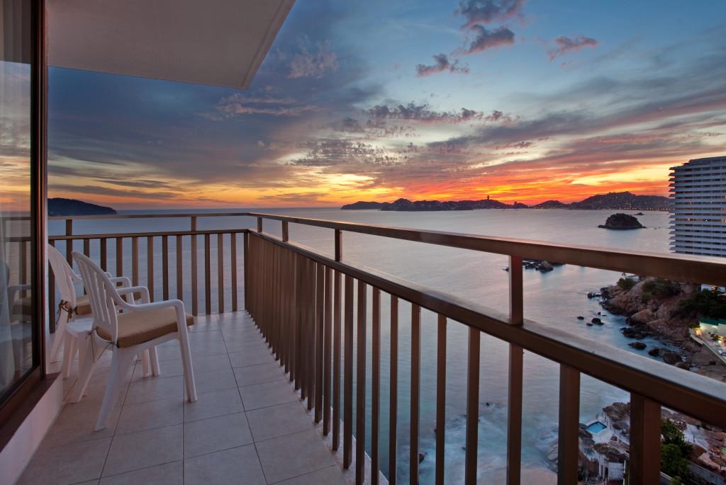 Vista Holiday Inn Resort