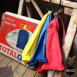 Shorts bleu jaune rouge