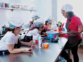Start Arte oferece oficinas de arte e cultura para as férias da garotada