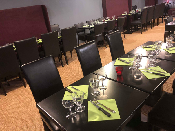 Salle de restaurant du Pélousse Paradise