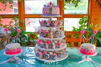 Disney Princess Cake & Cupcakes