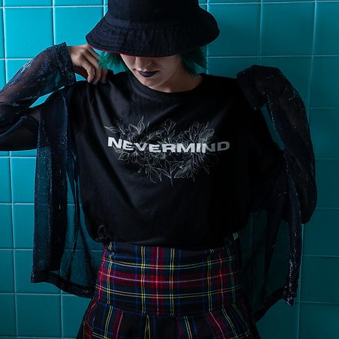 t-shirt-mockup-of-an-alt-girl-against-wa
