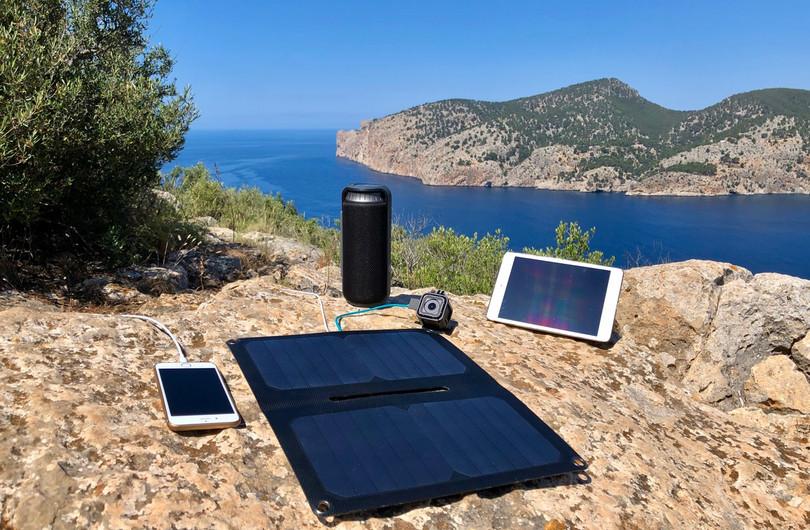 Alto_Solar_Charger_PV14_Hiking11W.jpg
