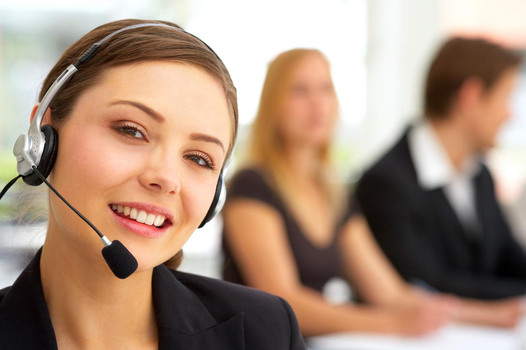 Réceptioniste_centre_téléphonique_service_clientèle_