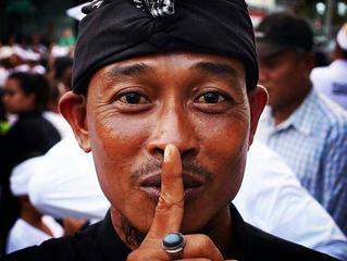 """À Bali, pas d'Internet sur les smartphones pour le """"jour du silence"""""""