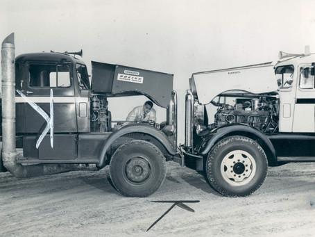 Un camion Kenworth avec un moteur à turbine Boeing