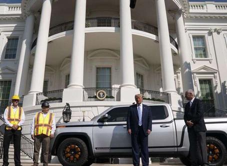 Le président Trump dévoile la nouvelle camionnette tout électrique de Lordstown Motors