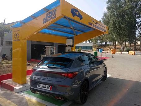 La première borne de recharge électrique installée à la station Naftal de Cheraga (Alger Ouest)
