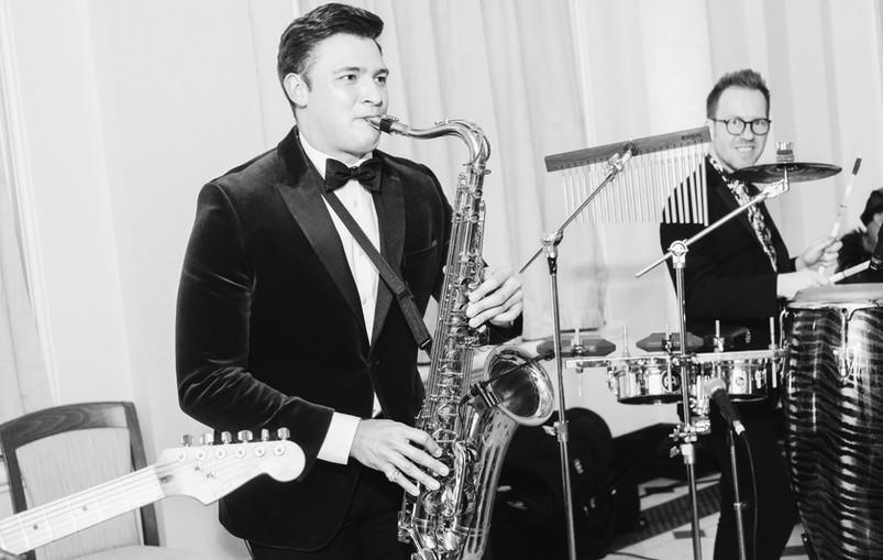 hire saxophone player.JPG