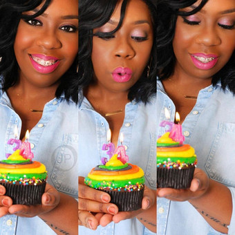 Birthday Photoshoot Cake.jpg