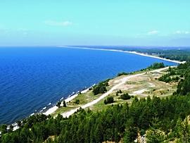 Побережье Байкала в районе Усть-Баргузина.