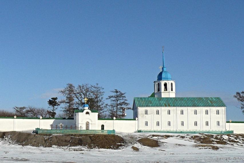Посольский монастырь, на переднем плане захоронения первых русских послов.
