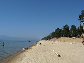 Пляж в районе посёлка Усть-Баргузин.
